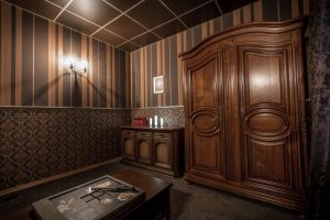 Escape Room - Wizard's Cabinet